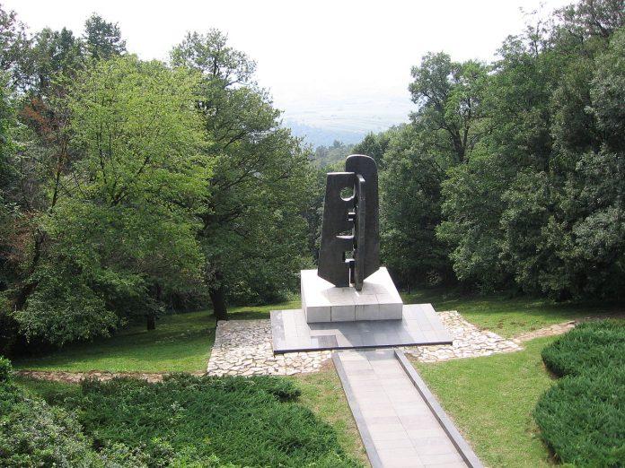 Spomenik sovjetskim ratnim veteranima