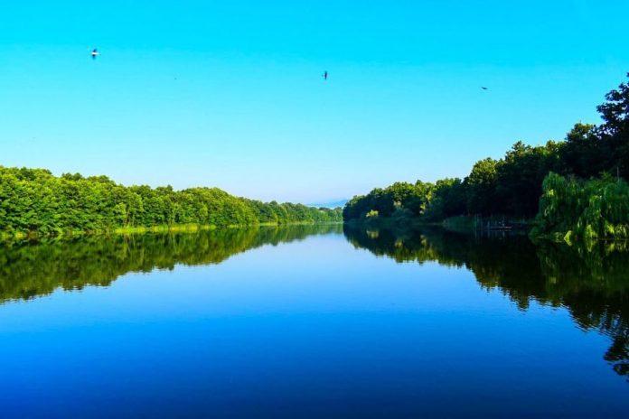 Sovinsko jezero