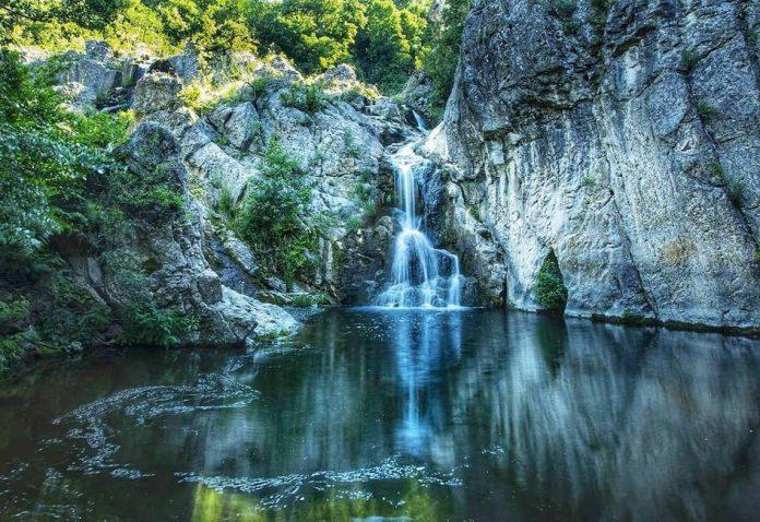 Vodopad Mokranjske stene