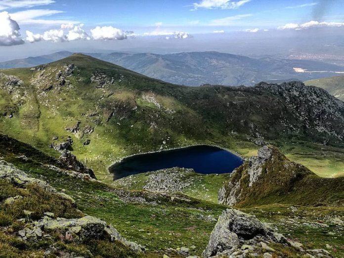 Štrbačko jezero